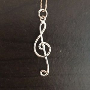 Jewelry - Music note necklace